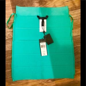 New with Tags BCBG aqua skirt size S